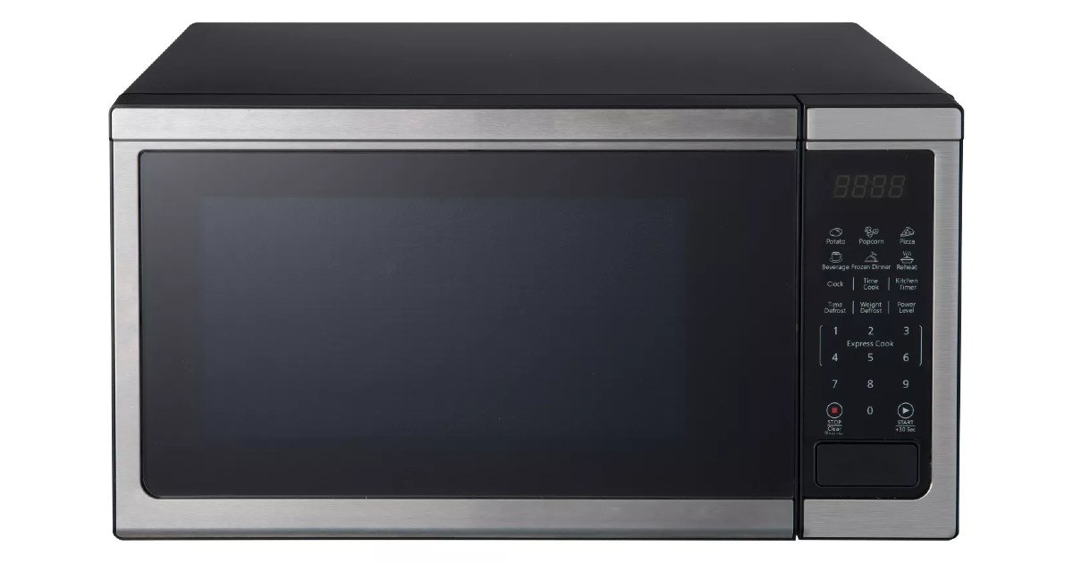 Oster 1.1 cu ft 1000W Microwave ONLY $49.99 (Reg $90)