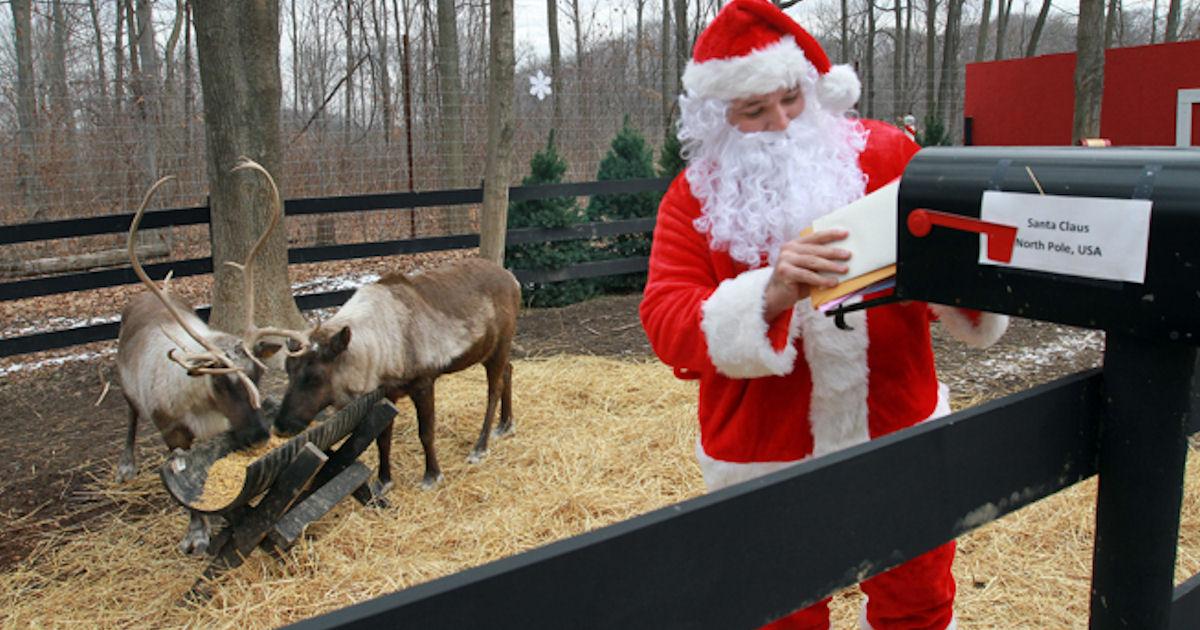 FREE 24/7 Live Feed of Santa's...