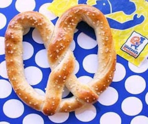 FREE Pretzel with the Wetzel`s...
